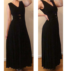 Liz Lange Ultimate slimming maxi dress runs like S